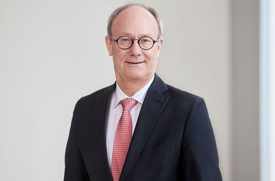 Portrait of Thomas Anwander, General Counsel & Group Secretary